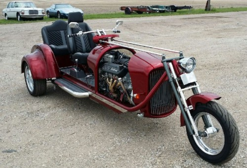 Custom-trike-with-Corvette-LS1-engine-big.jpg